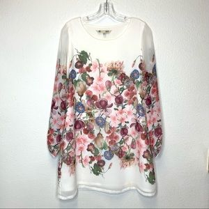 Yumi Floral Long Sleeved Dress Size M/US6-8